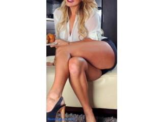 Julia. tu masajista madura exuberante española