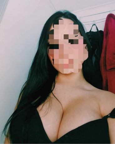 masajista-bella-topless-big-2